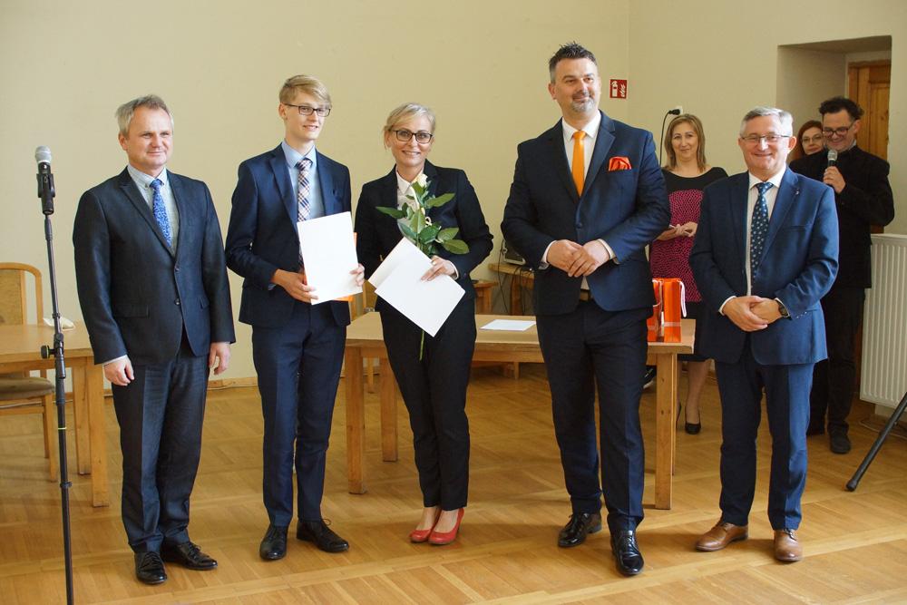 Nagrodzili prymusów z gminy Strzegom [FOTO]