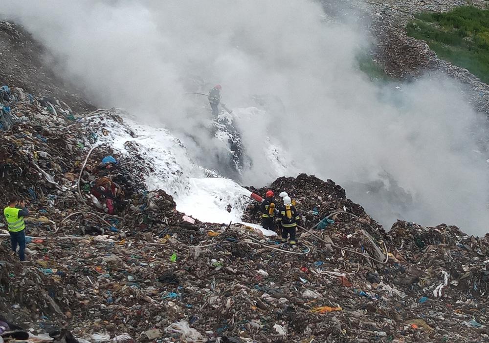 Pali się składowisko odpadów w Rusku