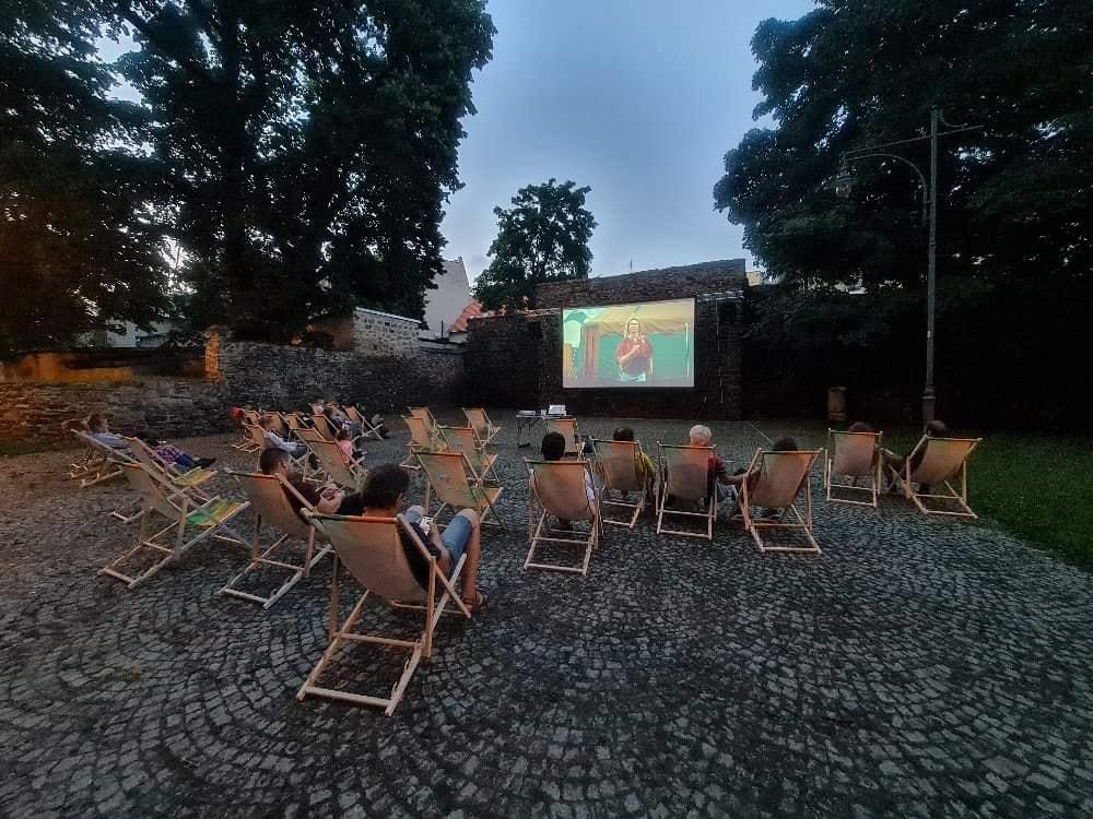 Udane kino plenerowe w Strzegomiu. Niebawem kolejne seanse! [FOTO]