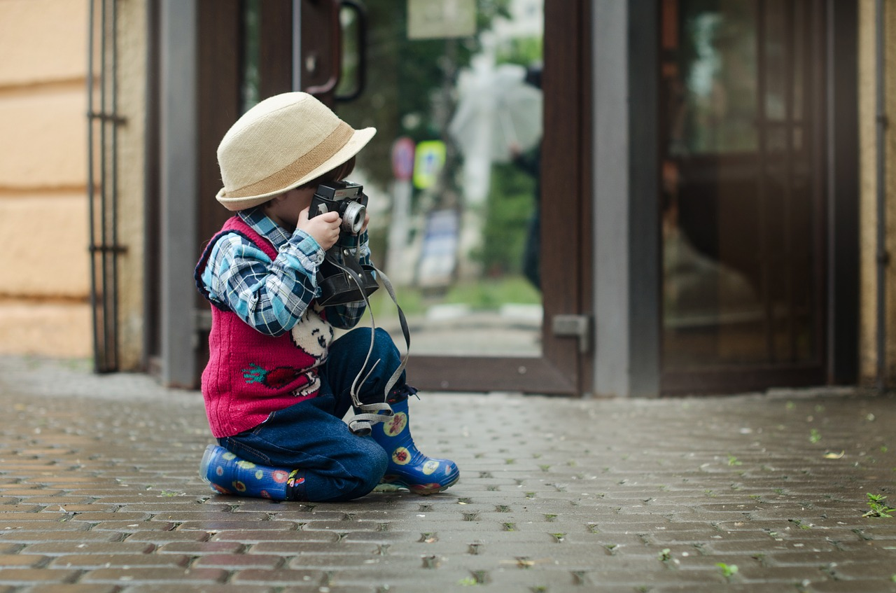 """Konkurs fotograficzny """"Młodym okiem"""" dla strzegomskich dzieci i młodzieży"""