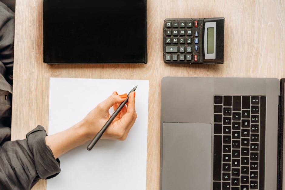 Kredyty konsolidacyjne gotówkowe – kiedy opłaca się je zaciągać?