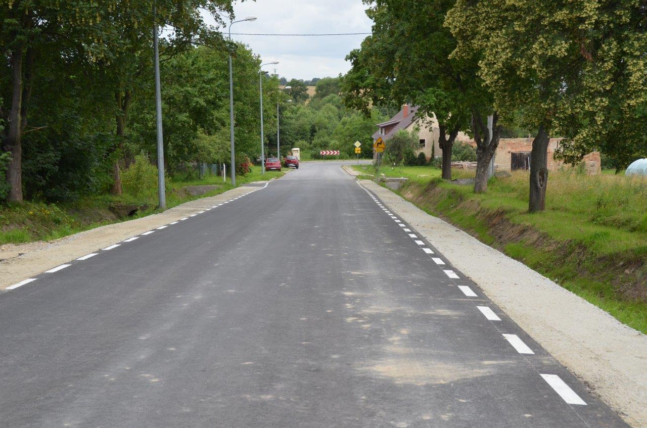 Droga w kierunku Ślęży jak nowa [FOTO]