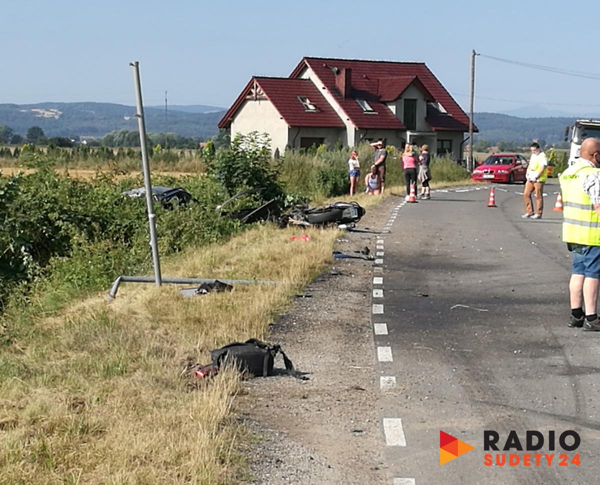 Śmiertelny wypadek w Godzieszówku. Nie żyje 18-latek! [FOTO]