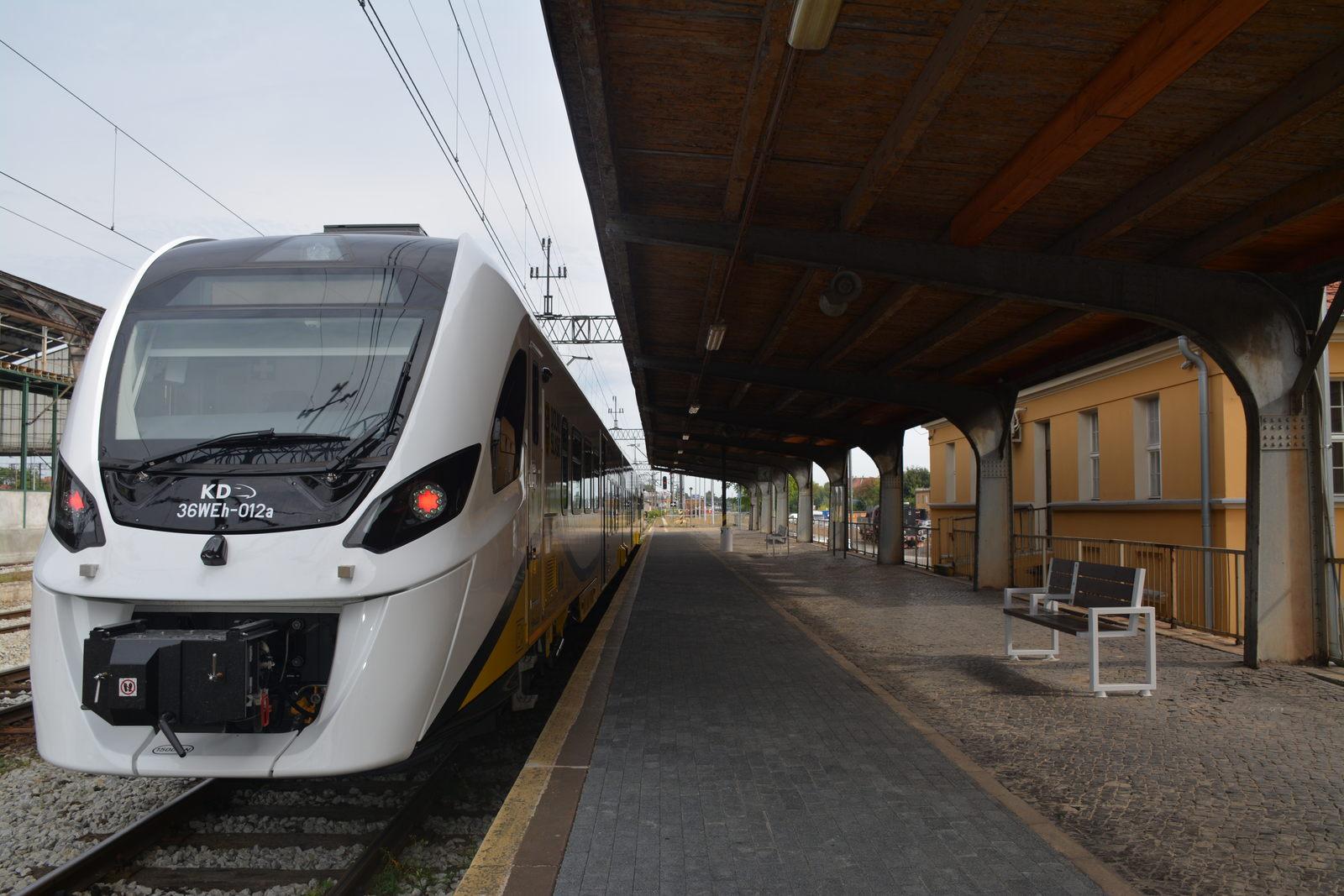 Pierwszy pociąg hybrydowy szykuje się do podróży po Dolnym Śląsku [FOTO]