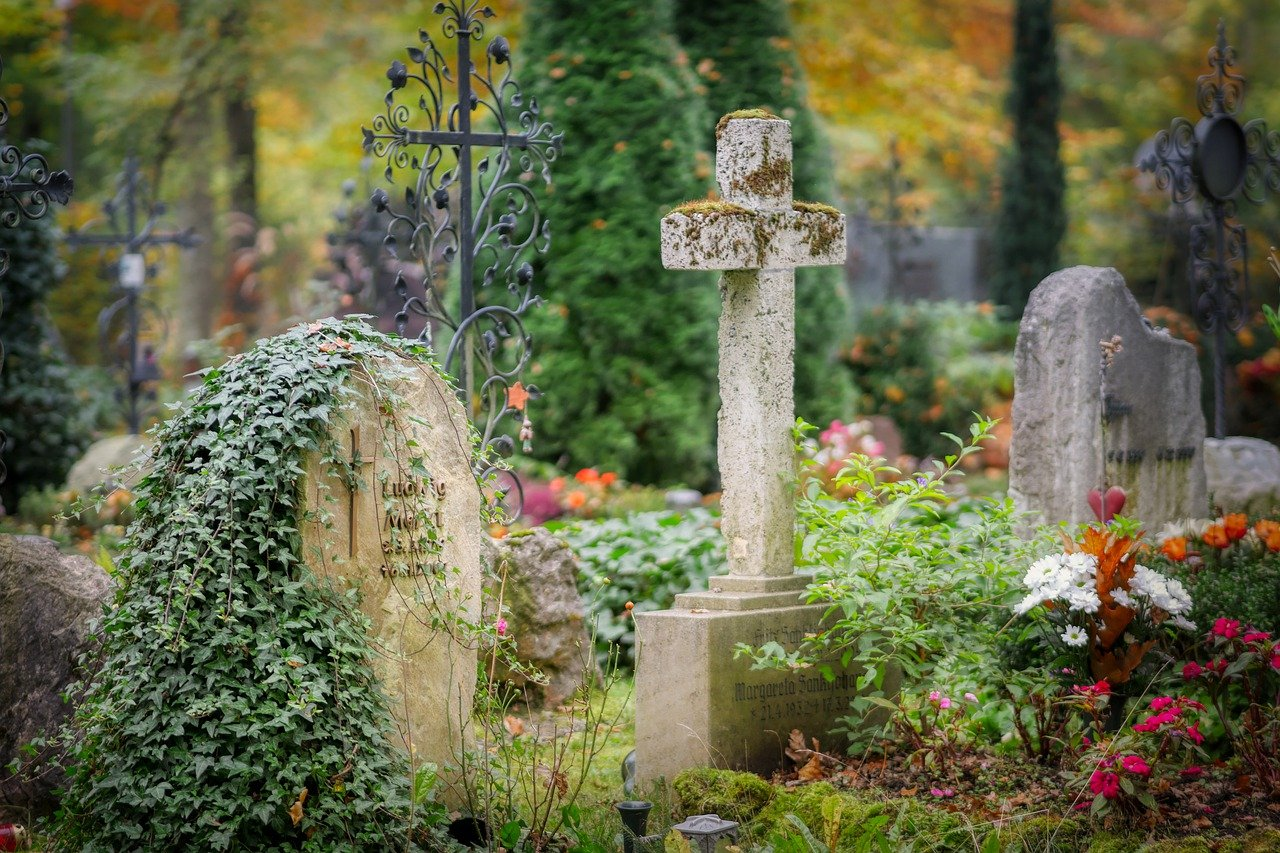Od soboty zamknięte cmentarze