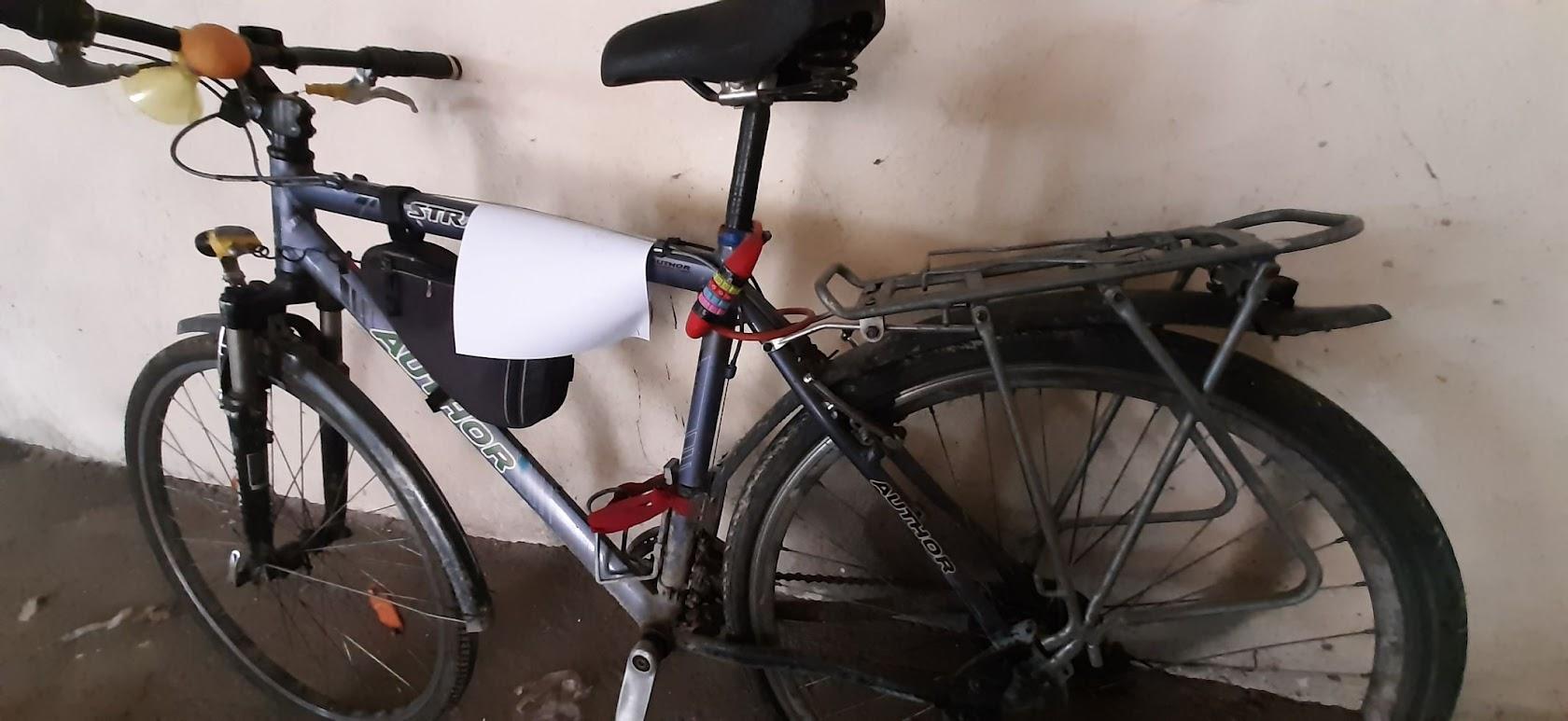 Wysyp rzeczy znalezionych w Strzegomiu. Tym razem na właściciela czeka rower! [FOTO]